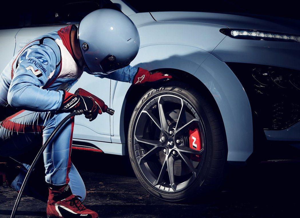 全新Hyundai Kona N配置19吋鍛造鋁圈。 摘自Hyundai