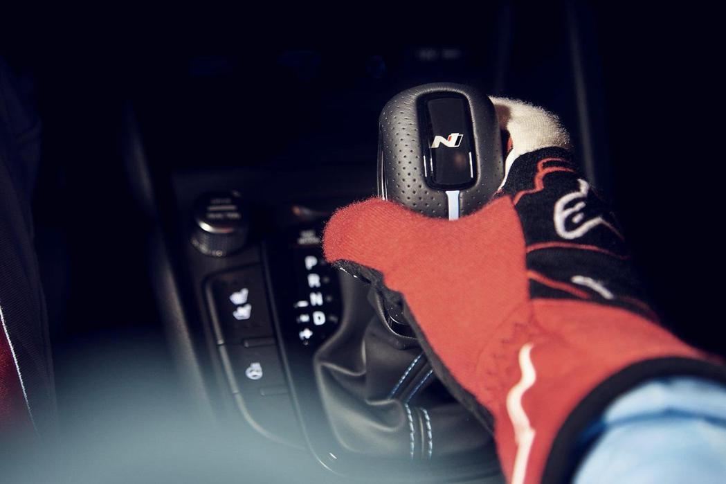 全新Hyundai Kona N是第三款配置八速濕式N DCT雙離合器變速箱的N...