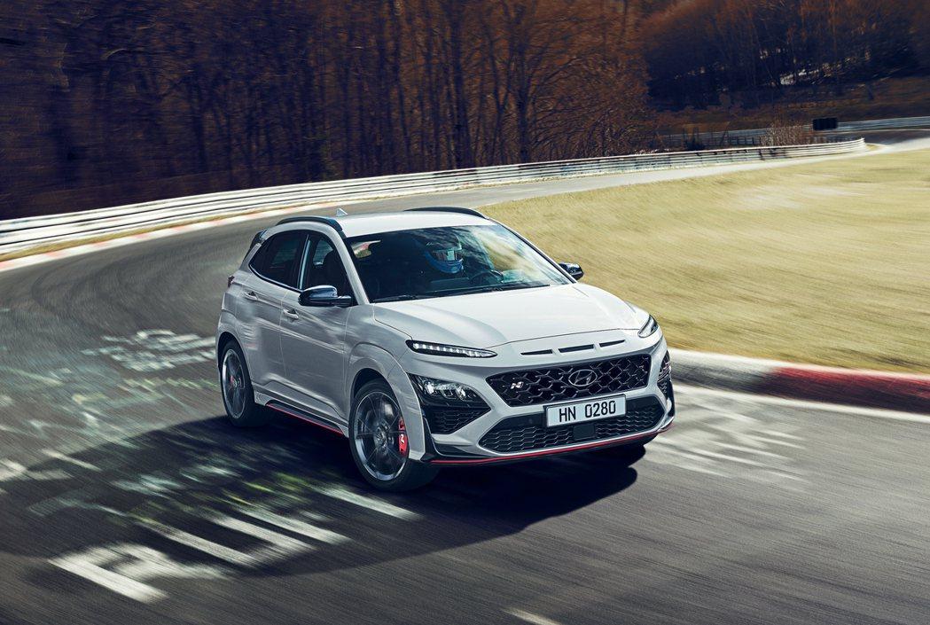 全新Hyundai Kona N搭載2.0升T-GDi渦輪增壓四缸引擎,最大馬力...