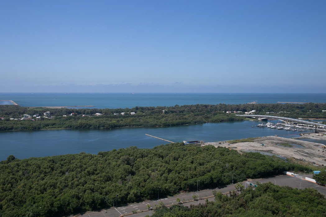 安平漁光島有遊艇碼頭區開發案、自由貿易港等重大公共建設。 攝影/張世雅