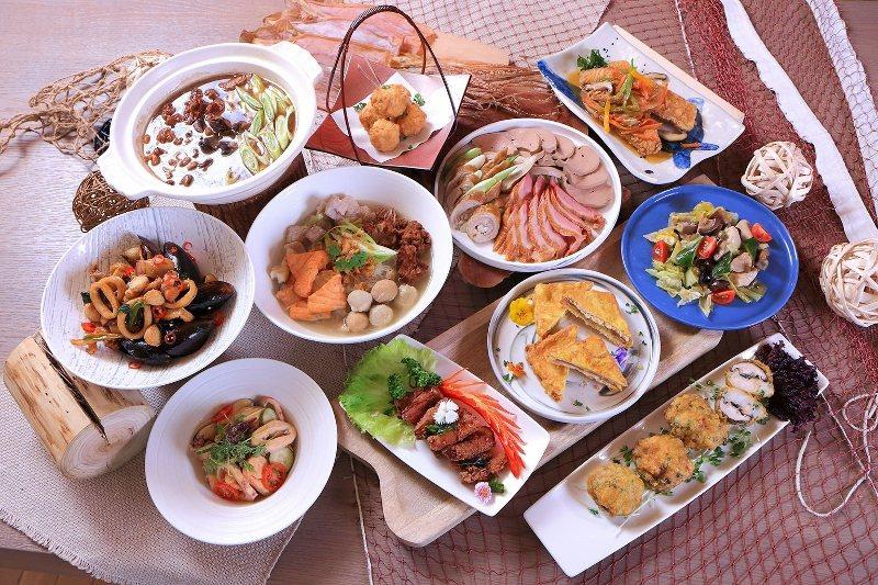 在Le Café可品嚐多種經典台式酒家菜,搭配各式海鮮、異國料理等吃到飽菜色,與...