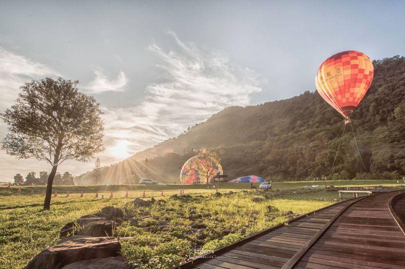 順延的「桃園石門水庫熱氣球嘉年華活動」將於6/19-6/27開始囉!圖攝/林亦倫