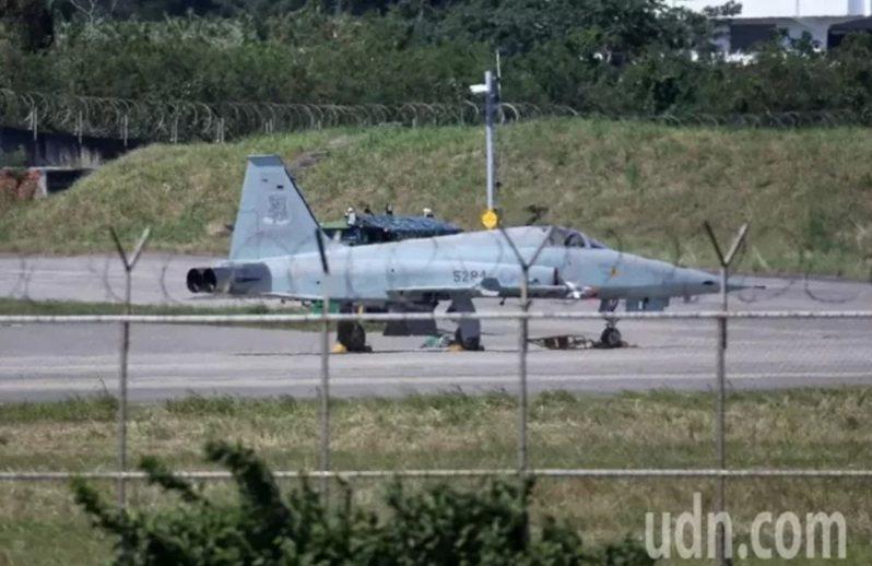 空軍主力四型戰機包括F-16、幻象2000-5、IDF與F-5(如圖)戰機均未裝設ELT,E-2K空中預警機也沒有相關設備。本報資料照