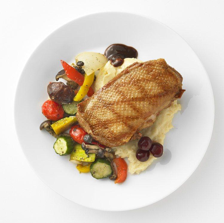 IKEA白蝦烤蔬菜麵380元。圖/IKEA提供
