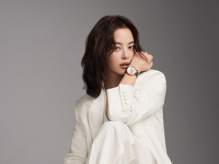 中國女演員辛芷蕾近日正式擔任萬寶龍代言人,與陳坤展現品牌全方位的精緻魅力。圖 /...