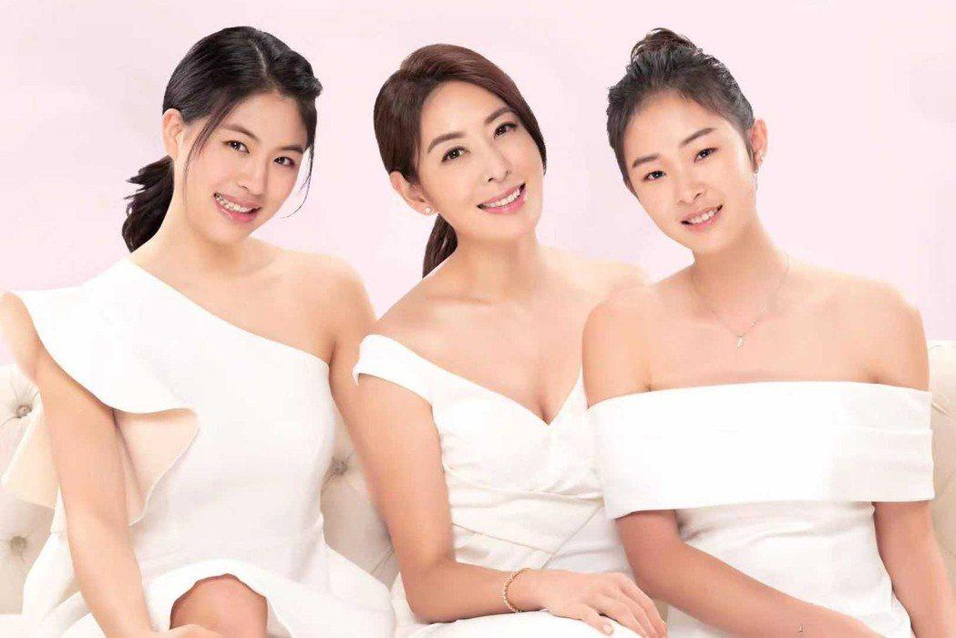 賈永婕和女兒們合拍廣告。圖/東森自然美提供
