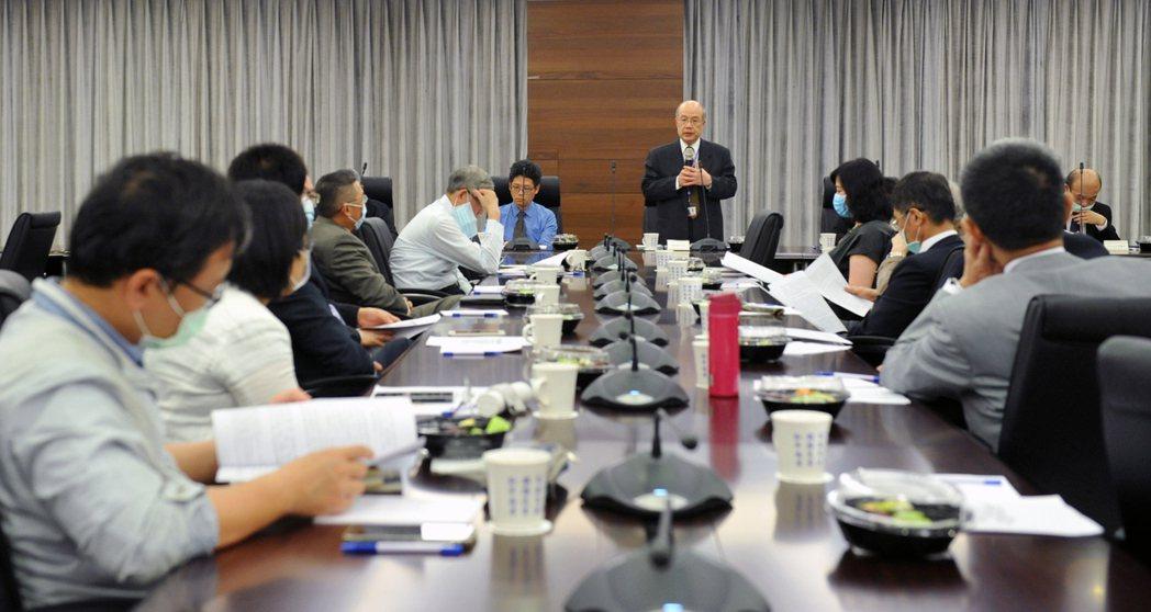 海基會舉行顧問會議,海基會秘書長詹志宏致詞。(圖/海基會提供)