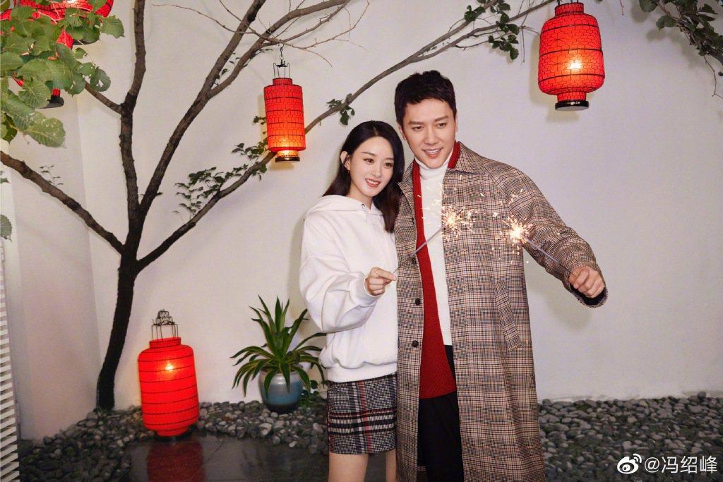趙麗穎(左)、馮紹峰(右)離婚新聞震驚華人演藝圈。圖/摘自微博
