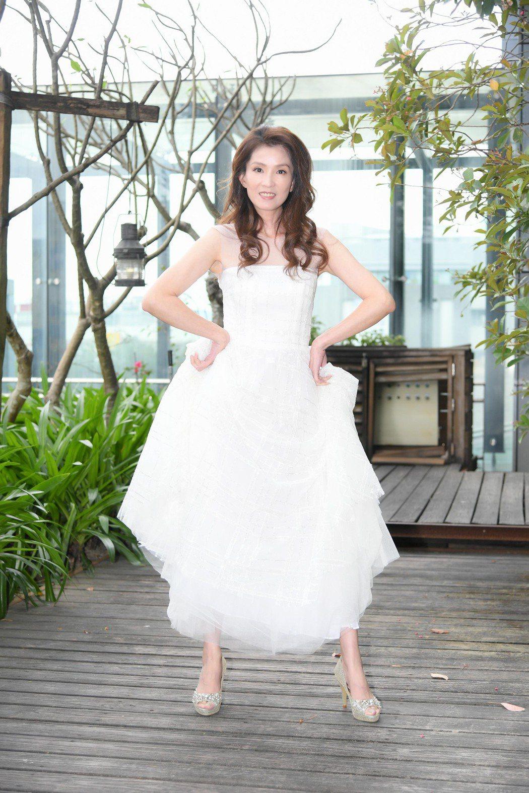葉全真認為婚紗穿過太多次,未來真的有伴不會辦婚禮。圖/三立提供