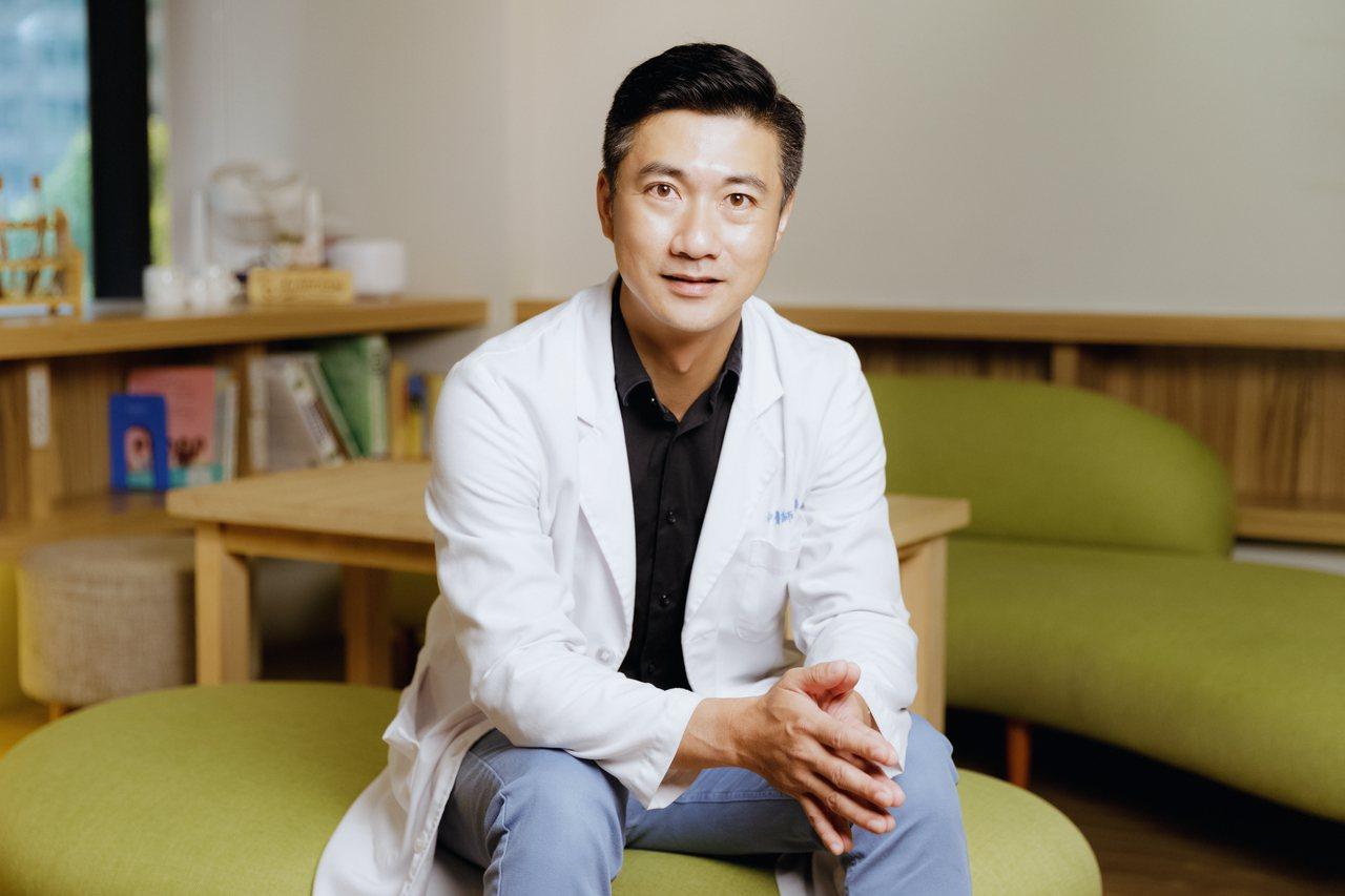 陳峙嘉醫師在《女人好養》一書中建議要戒除八個致命的壞習慣 圖/陳軍杉攝影