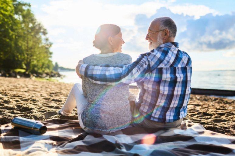 高齡婚活可以維持年輕時的怦然心動,卻必須盡量避免一時衝動,「只要有疑慮,就不要進...