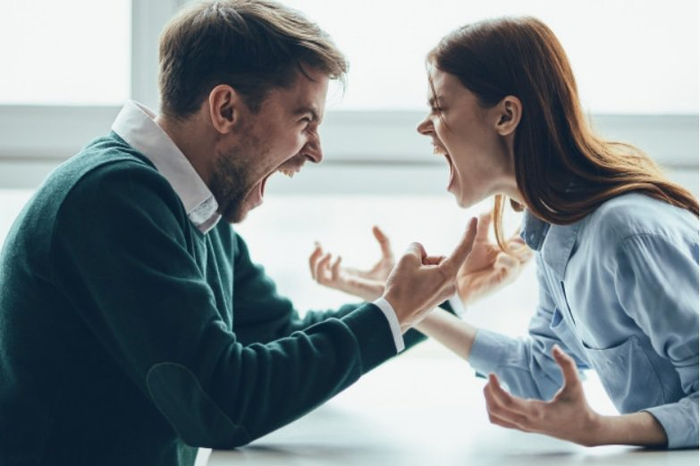 很多人雖然解除了法律上的配偶關係,但是『心』卻沒有離婚。 圖/freepik