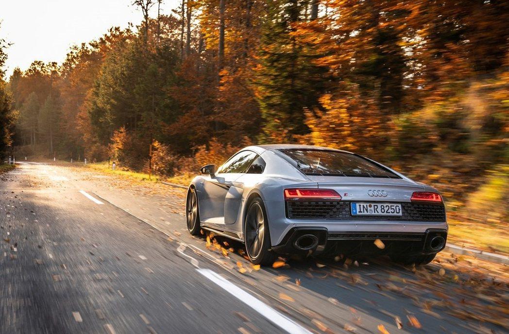R8是Audi的旗艦性能車款,品牌的精神指標。 摘自Audi