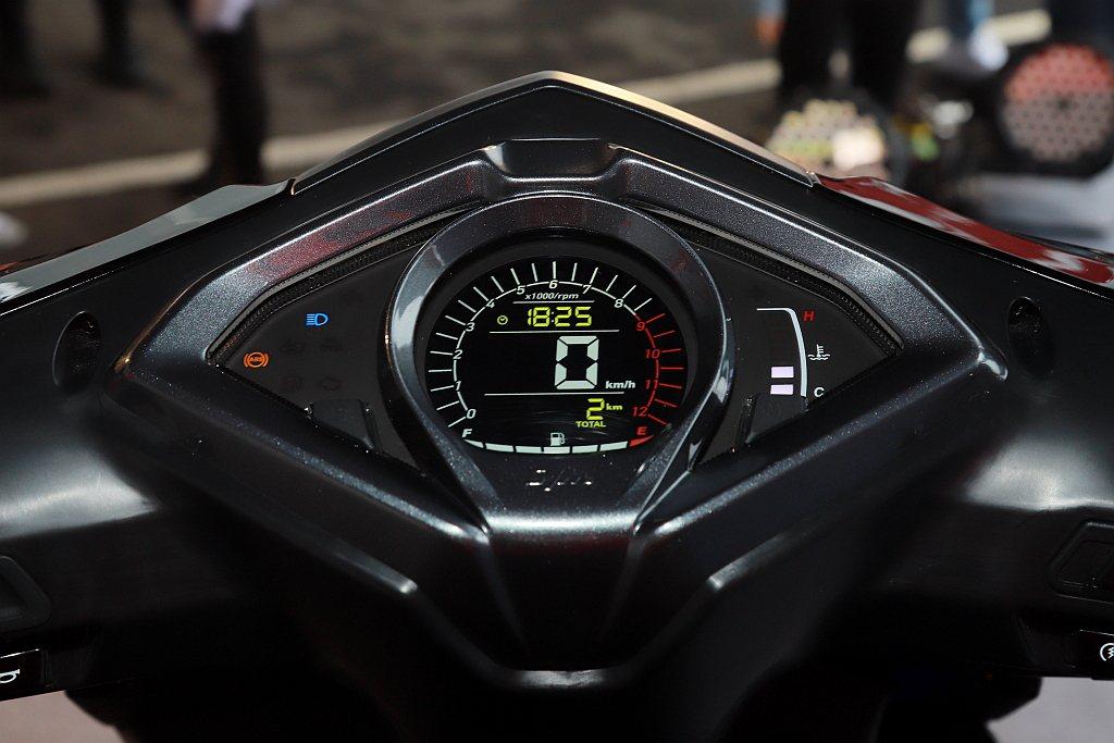 SYM JET SL升級高可辨識性光感應儀錶。 記者張振群/攝影
