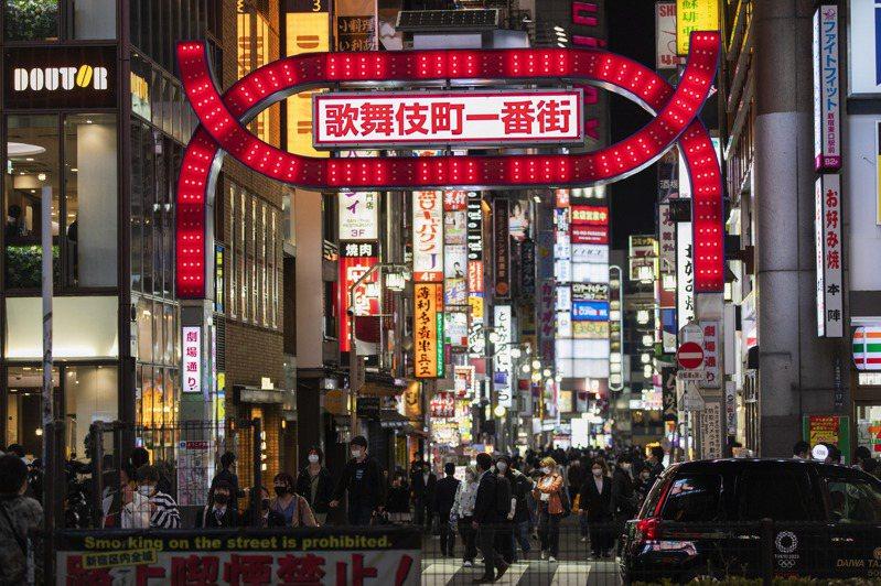 日本大阪府6日召開對策本部會議後決定,向政府請求延長緊急宣言時限。圖/美聯社