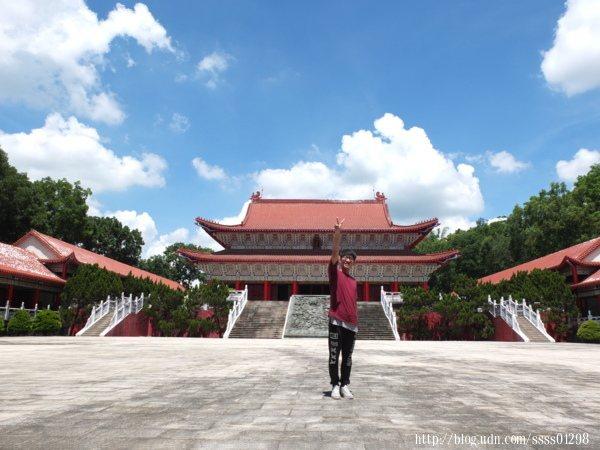 實際走進旗山孔廟更能體會其遼闊感與宏偉規模,不愧為整個東南亞最大的孔廟。