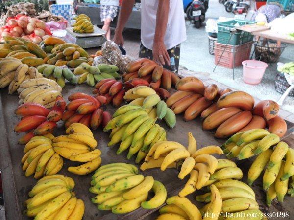 每回一來到香蕉王國「旗山」只要經過老街都很自然而然會買幾串當地農特產香蕉,好吃不用多誇。