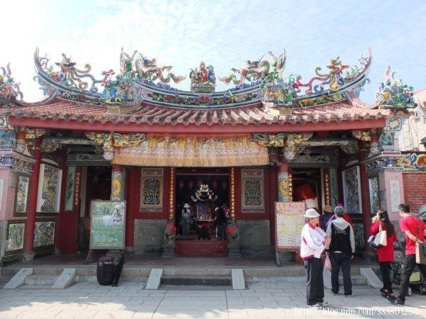旗山歷史悠久的廟宇,是旗山居民信仰中心,被列為高雄市定古蹟,價值珍貴。