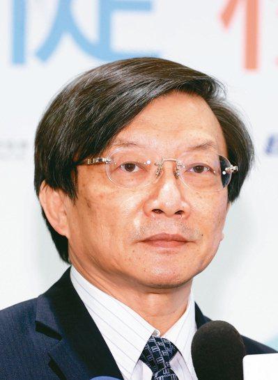 台灣腎臟醫學會理事長黃尚志指出,透析腎友仍希望維持工作。圖/鄭超文