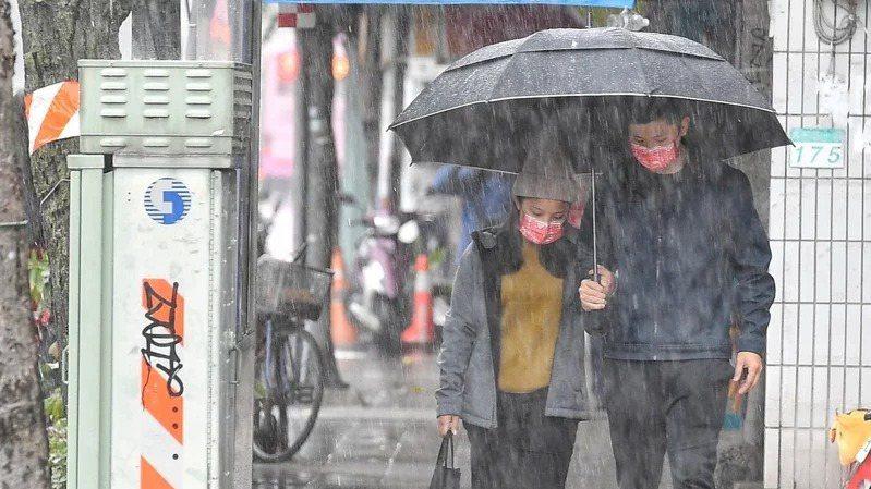 鋒面接近,北台灣留意較大雨勢。聯合報系資料照