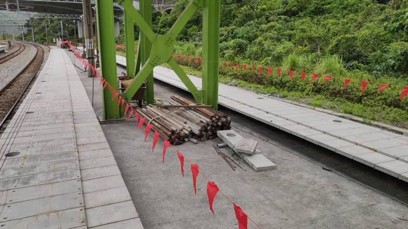 因為連續的重大事故,交通部下了一道命令:所有台鐵的臨軌工程,全面停工。圖/聯合報系資料照片