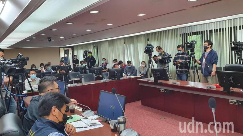 北市警察局長陳嘉昌上午至市議會法規會備詢。記者楊正海/攝影