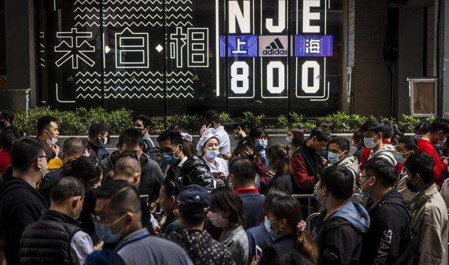 英國《金融時報》援引數名知情研究者稱,根據中國尚未公開、去年12月的人口普查結果...