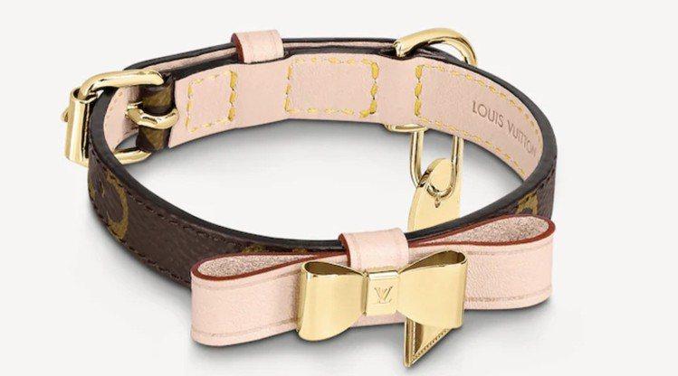 LV Baxter小型狗頸圈,13,900 元。圖/取自LV官網