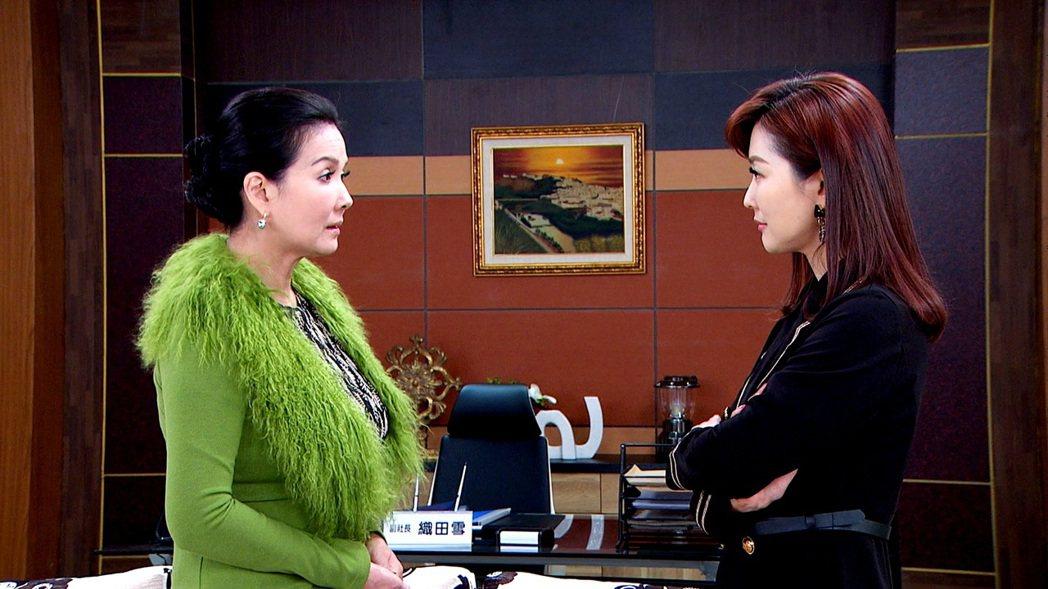 丁國琳(左)演壞女人很叫好,右為陳珮騏。圖/三立提供