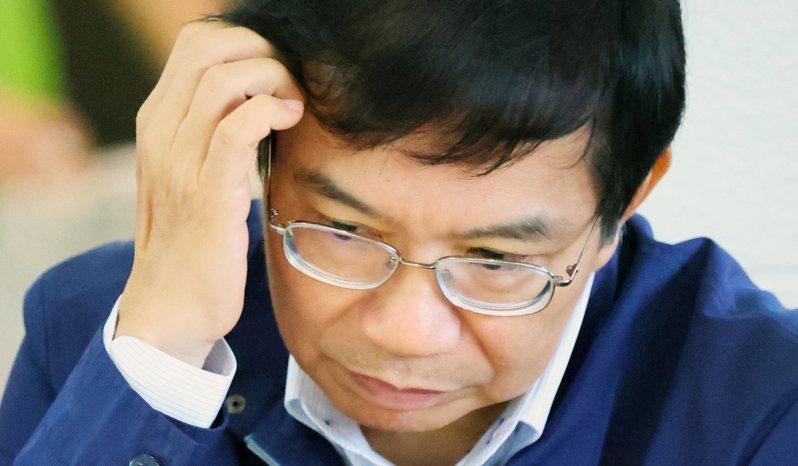 交通部長王國材今在立院明確講了3次「企業化就是國營公司化」,他今晚受訪表示「受不了一直講不清楚」。圖/聯合報系資料照片