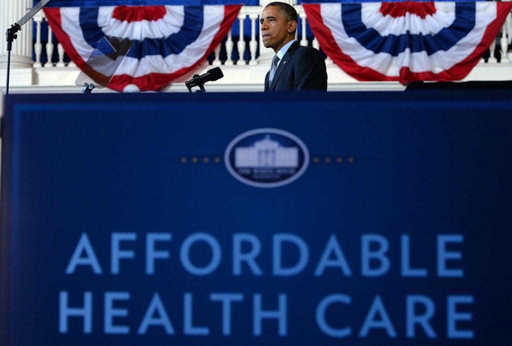 克魯曼坦承,由美國前總統歐巴馬所推動的「平價醫療保險法案」,是一個不夠徹底、且不完美的改革,但卻能夠暫時有效地填補美國醫療保險的大漏洞。 圖/法新社