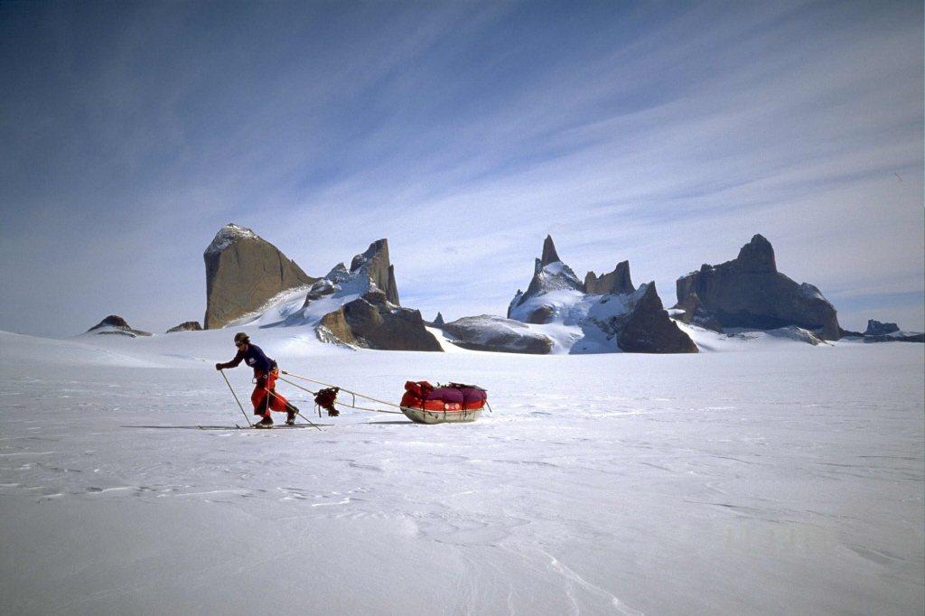 書中不只一次提到,日常生活、撫養孩子,對作者而言毫無疑問是凌駕於南極等絕境的艱難冒險。示意圖。 圖/美聯社