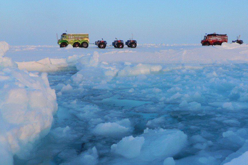 「這本書就像他一生的冒險回顧,在極地、冰峰與浪濤的記憶之間穿梭」。示意圖。 圖/法新社