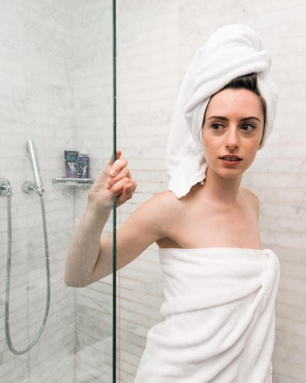 水利署也建議,泡澡、盆浴應該為淋浴、沖澡,洗澡時間越短越好 圖/unsplash
