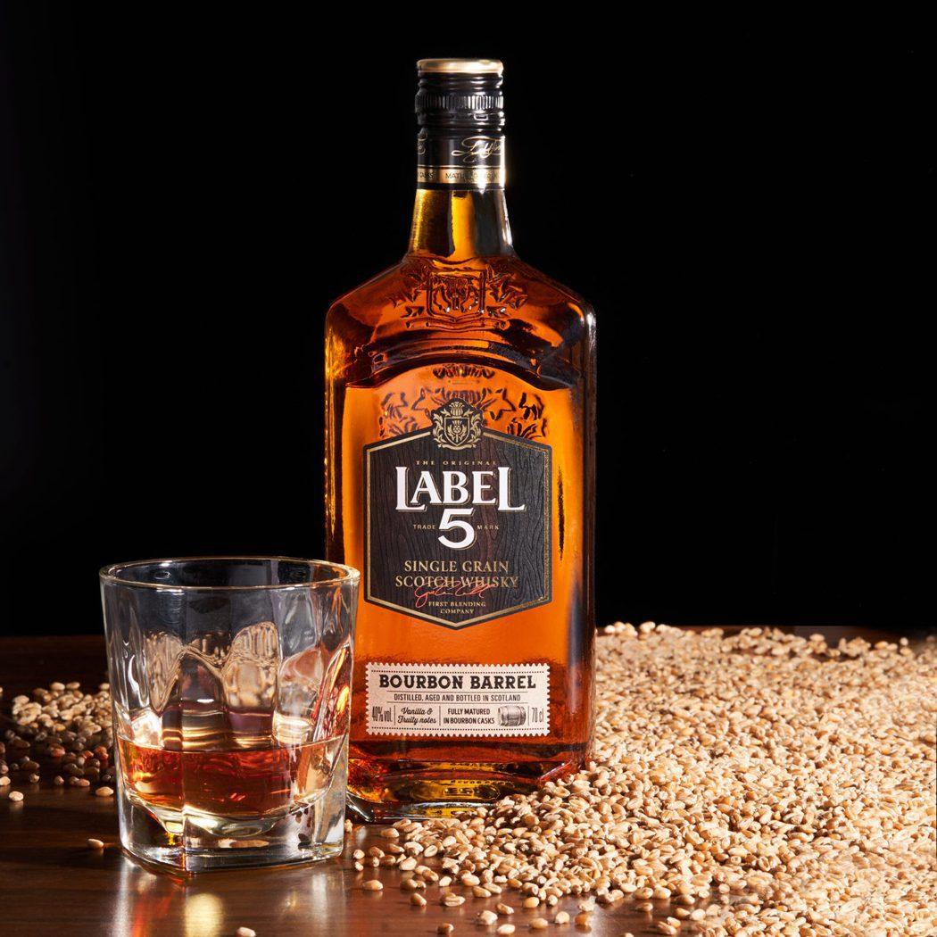 英國雷伯五號單一穀物蘇格蘭威士忌 0.7L 40%,建議售價470元。橡木桶洋酒...