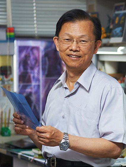 謝森永醫師再次獲得傑出研究獎的肯定。 長庚大學/提供