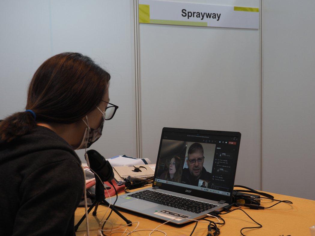 與英國運動品牌SPRAYWAY採購洽談。 紡拓會/提供