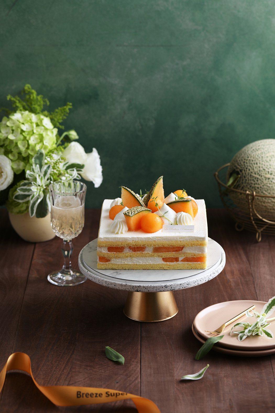 有別於一般甜點蛋糕,艾許鮮奶油哈密瓜蛋糕主打「極致新鮮賞味48小時」。業者/提供