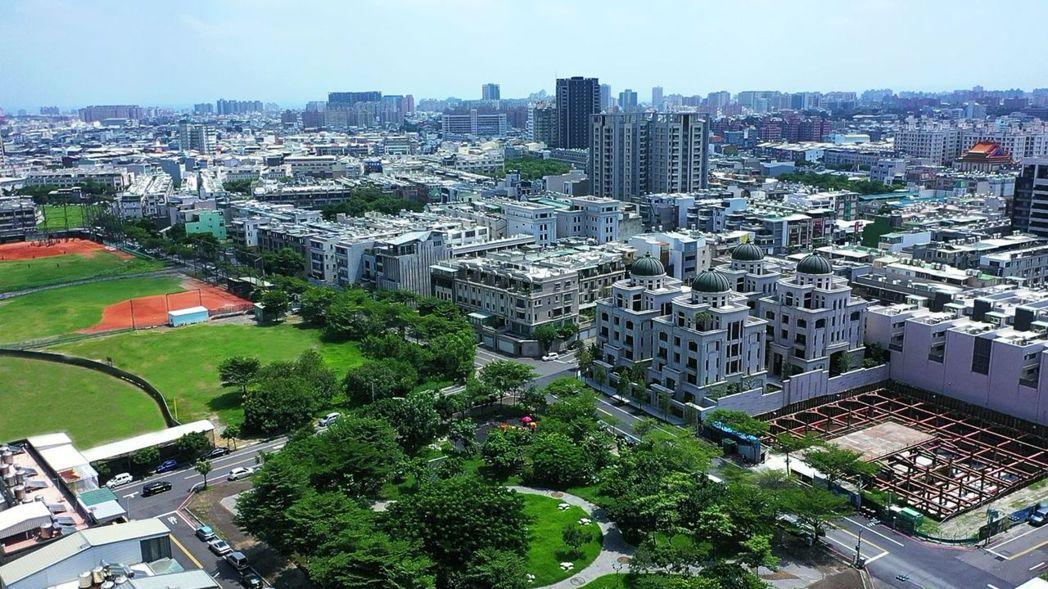 鄭子寮因低密度規劃、綠地廣闊,成為置產換屋族首選。 業者/提供