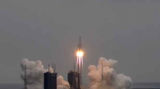 今天上午約11時25分,大陸太空站「天和號」核心艙成功發射升空。澎湃新聞