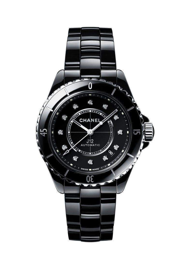 J12腕表,38毫米黑色抗磨精密陶瓷搭配精鋼表殼搭配12顆鑽石時標、Calibe...