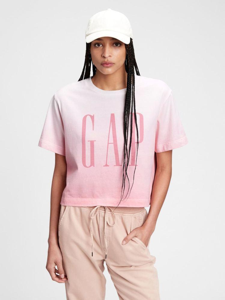 Gap Logo漸層圓領短袖T恤799元。圖/Gap提供