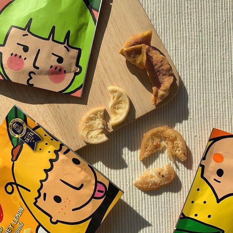 泰國7-ELEVEN熱賣果乾品牌「Love Farm」酸梅芭樂乾、蜂蜜檸檬乾、辣...
