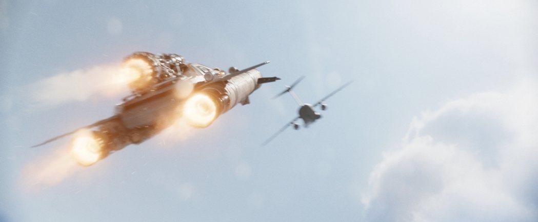 「玩命關頭9」真的要飆上太空。圖/UIP提供