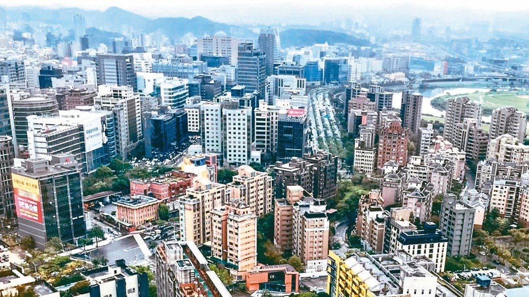 據內政部最新統計,今年首季全國住宅開工量達27,077戶、創近六年來次高。本報資...