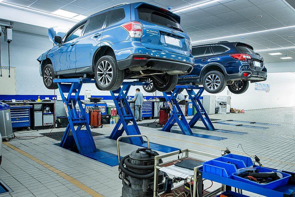 全方位服務保修中心導入日本原廠規格的接待流程和維修技術,維修區共設置8個專屬工作...