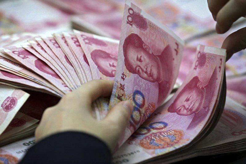 4月人民幣即期匯率月升1.31%,為去年11月以來最大月度漲幅。美聯社