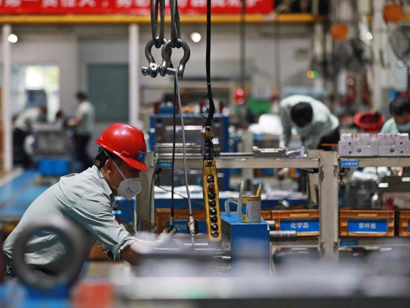 專家認為,大陸4月製造業供需顯著擴張,海外需求亦較為穩健,就業市場有所改善。新華社資料照片