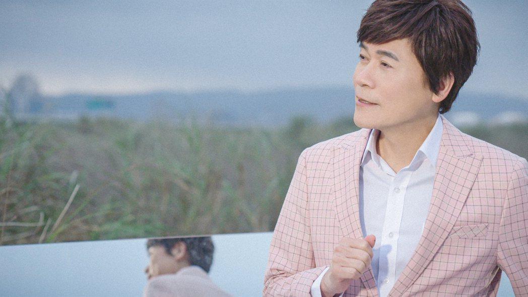 洪榮宏拍MV遭海風突襲吹走浪漫氛圍。圖/華特音樂、勁樺娛樂提供