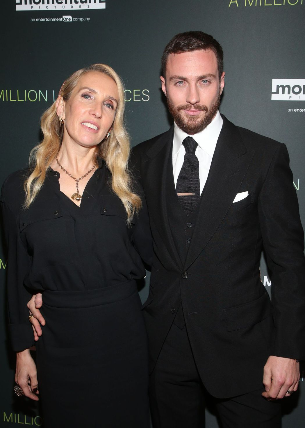 「復仇者聯盟2:奧創紀元」男星亞倫泰勒強森(右)傳出已與大23的導演妻子珊姆泰勒